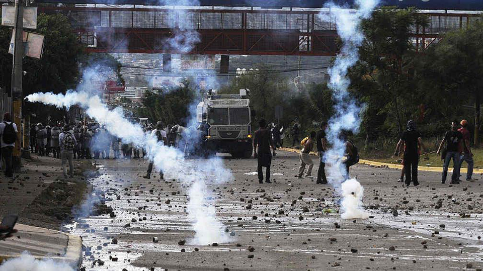 Honduras pre-election violence spikes; Berta Cáceres files disappear
