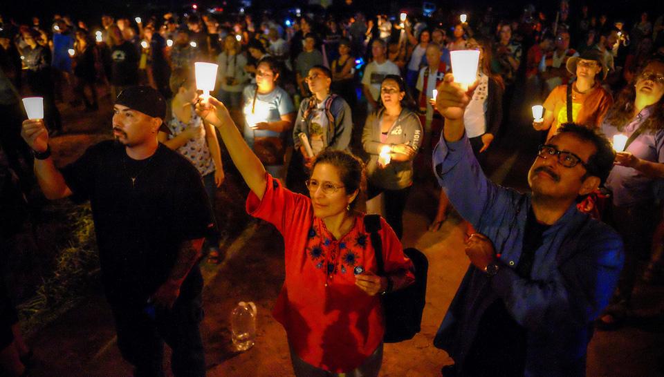"2016 border convergence says ""no"" to border militarization"