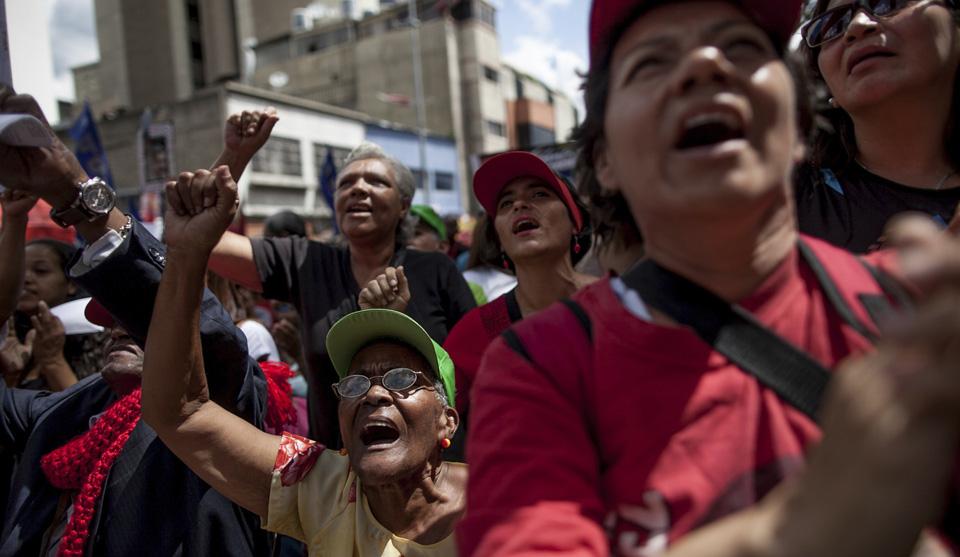 Venezuela's anti-Maduro opposition loses supermajority