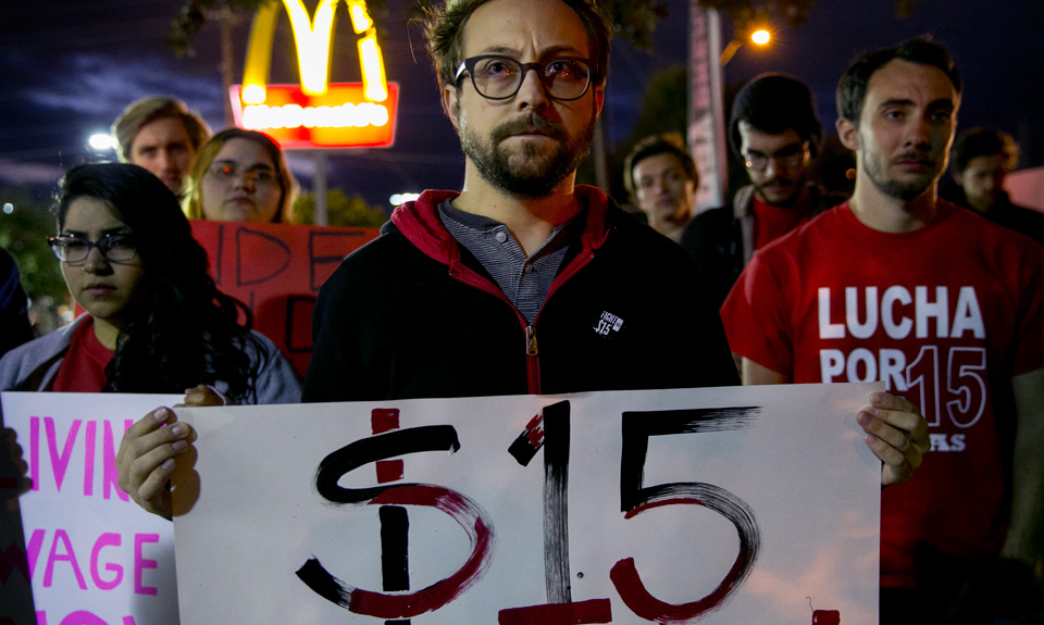 Minimum wage hikes cause job loss? Economists say no