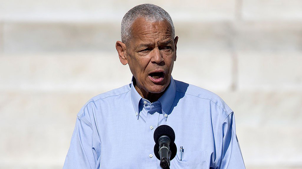 This week in history: Julian Bond is seated in the Georgia legislature