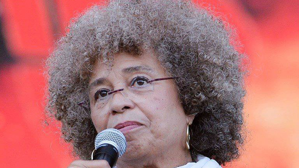 Angela Davis: collective leadership and unity will defeat Trump