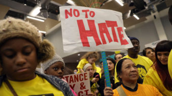 Chicago strengthens its defense of immigrants amid raids
