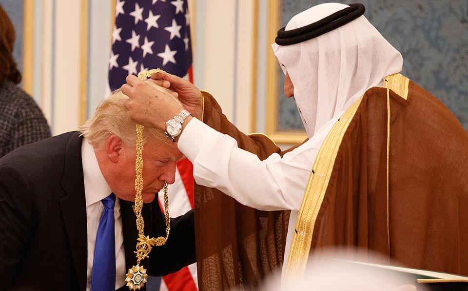 Trump shows love for Arab despots, seals arms deal