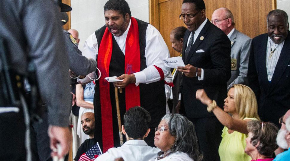 Rev. Barber among 32 arrested for demanding healthcare