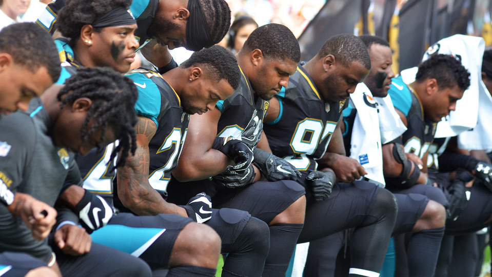 NFL players' union defends members in battle with Trump