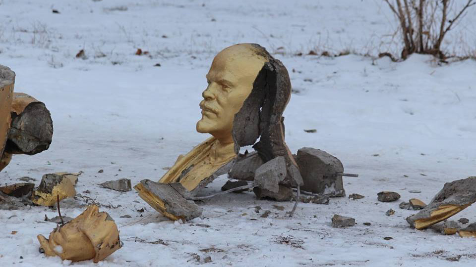 Statues fall too in Ukraine, as fascists erase Soviet past