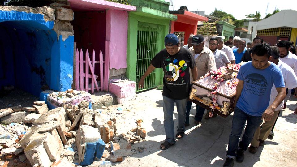 El sur de México trata de recuperarse tras sismo