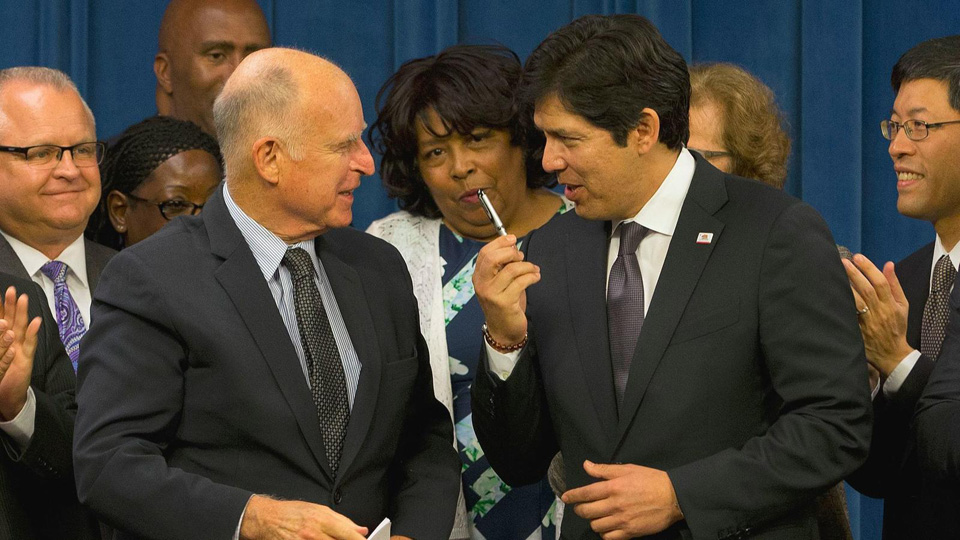California governor signs far-reaching immigrant rights legislation