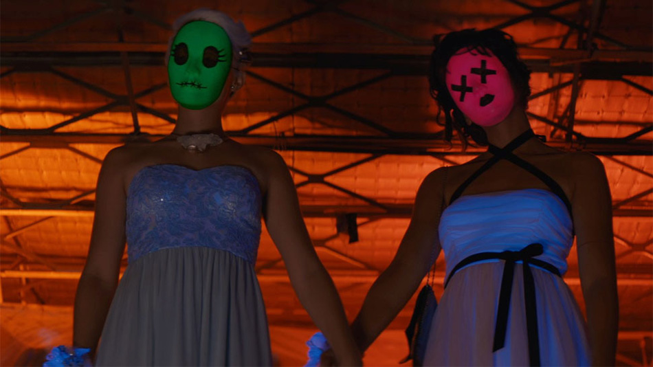 """Tragedy Girls"": A twisted tale of millennials, serial killers, and social media"