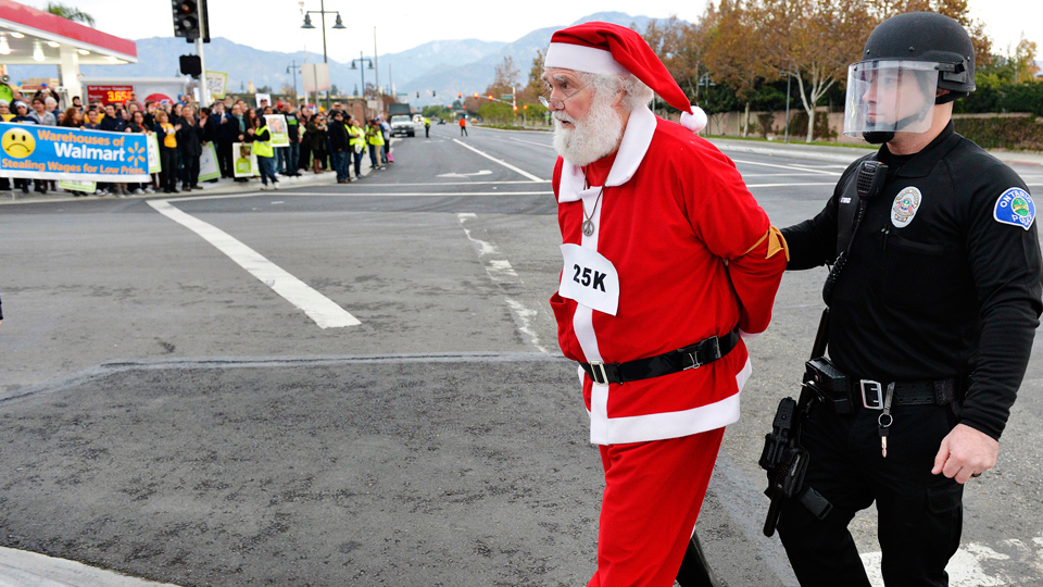 Santa goes on strike, demands Walmart bring back holiday pay