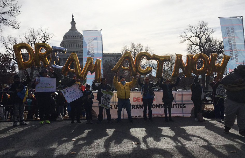 Unions, Dreamers to lawmakers: Attach Dream Act to money bill