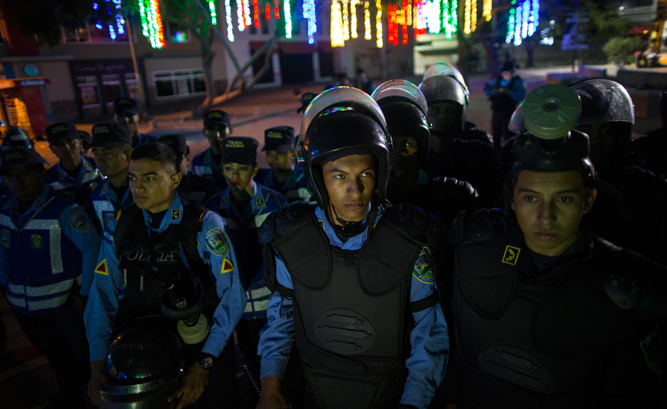 Honduran police go on strike, refuse to support coup