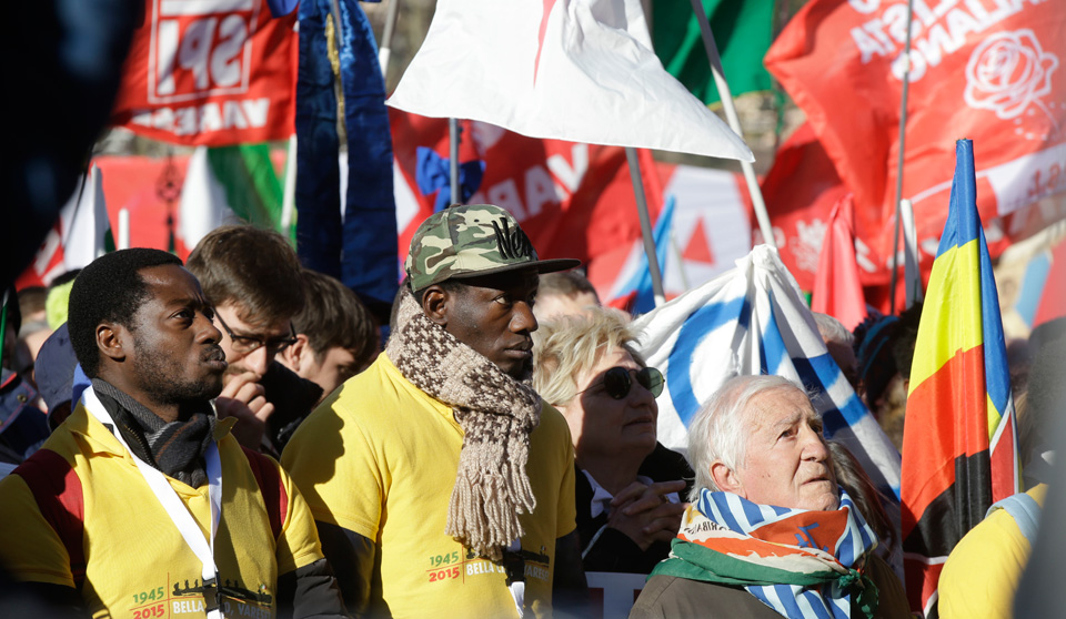 Rally against fascism in Italy draws 10,000