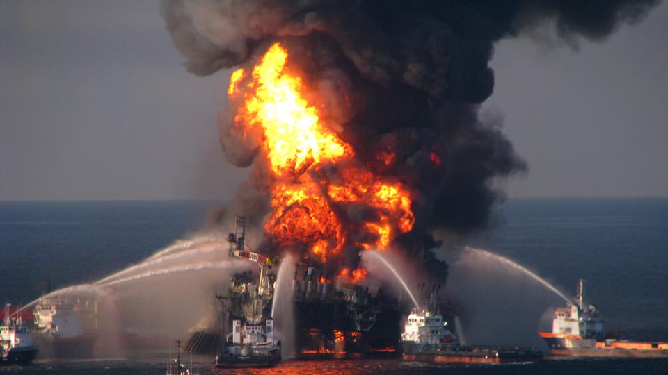EE.UU. prevé incrementar perforación petrolera en aguas marítimas