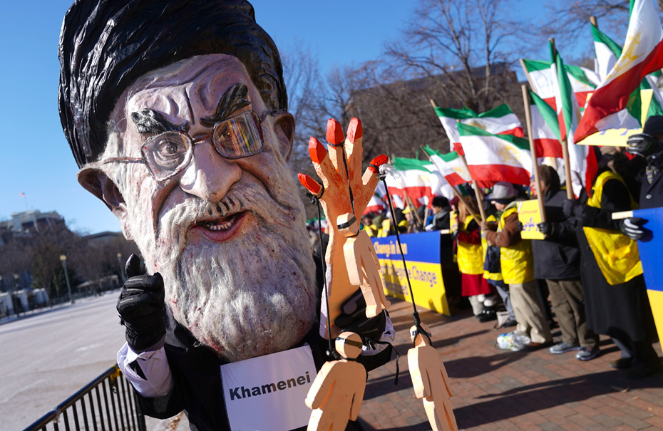 "Iran protesters: ""We've had enough of life without jobs"""