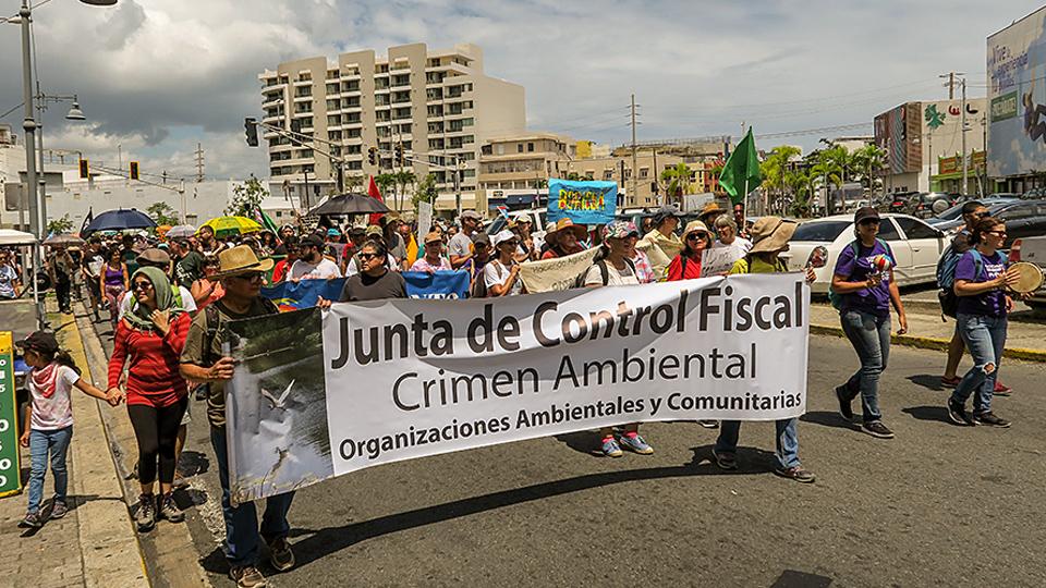 Puerto Rico se niega a doblar la rodilla