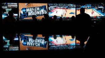 U.S. Supreme Court legalizes sports betting