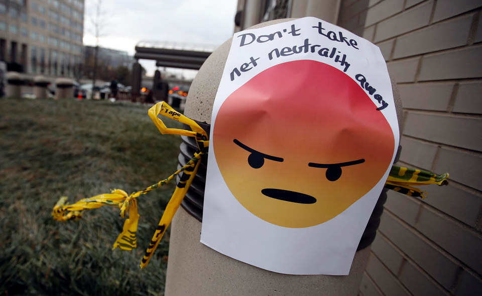 Senate vote to preserve net neutrality faces GOP roadblock