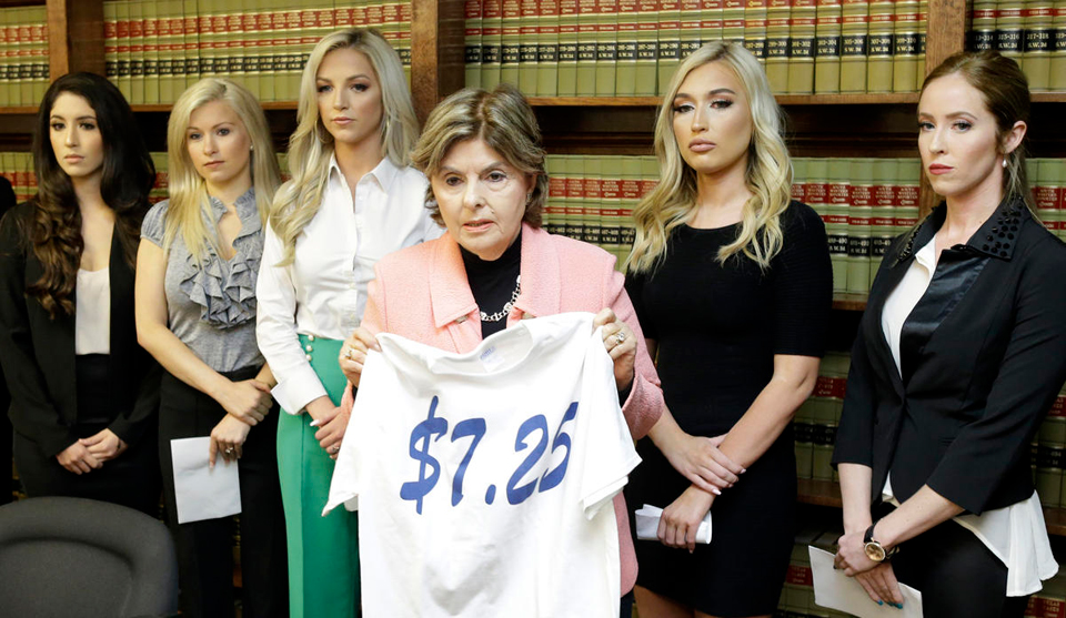 175b10c352e NFL cheerleaders march on the NFL bosses – People s World