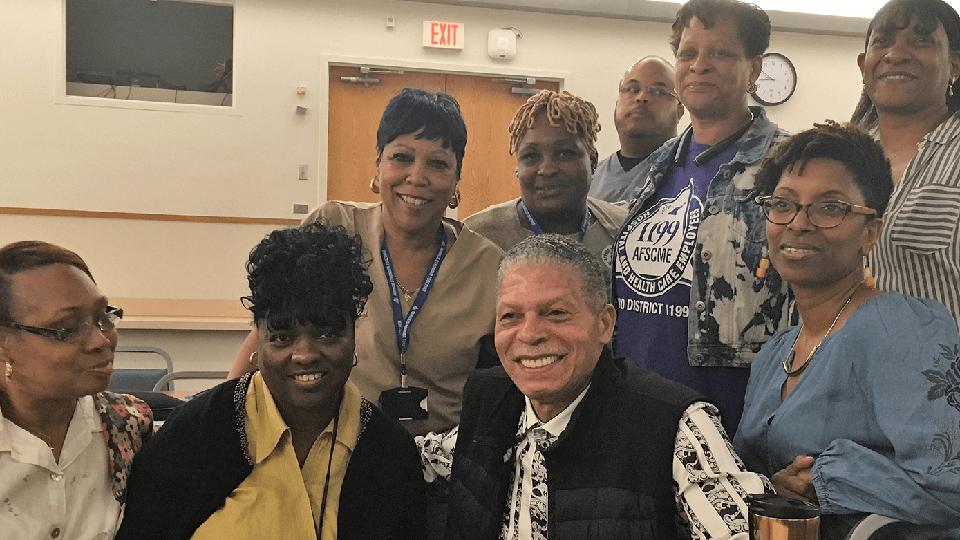 Trabajadores de un hospital en D.C. votan para unirse a AFSCME
