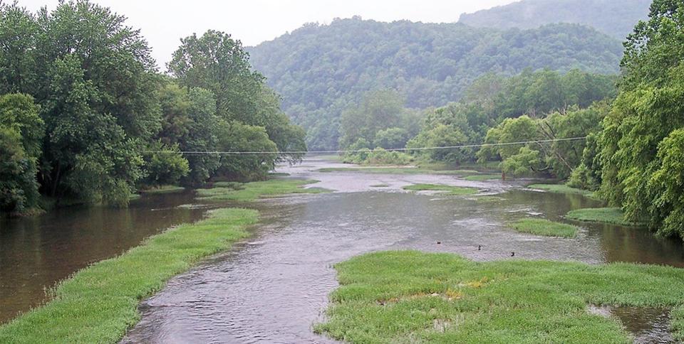 Court orders pipeline to halt construction over West Virginia streams, wetlands