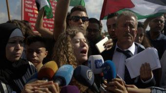 Ahed Tamimi, icono de protestas palestinas, sale de prisión