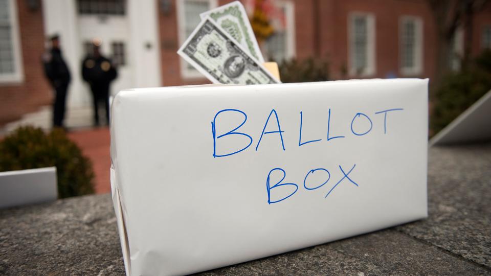 GOP defeats Dem corporate campaign cash disclosure bill, again