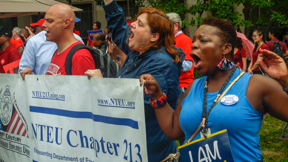Federal workers take to streets nationwide against Trump union-busting