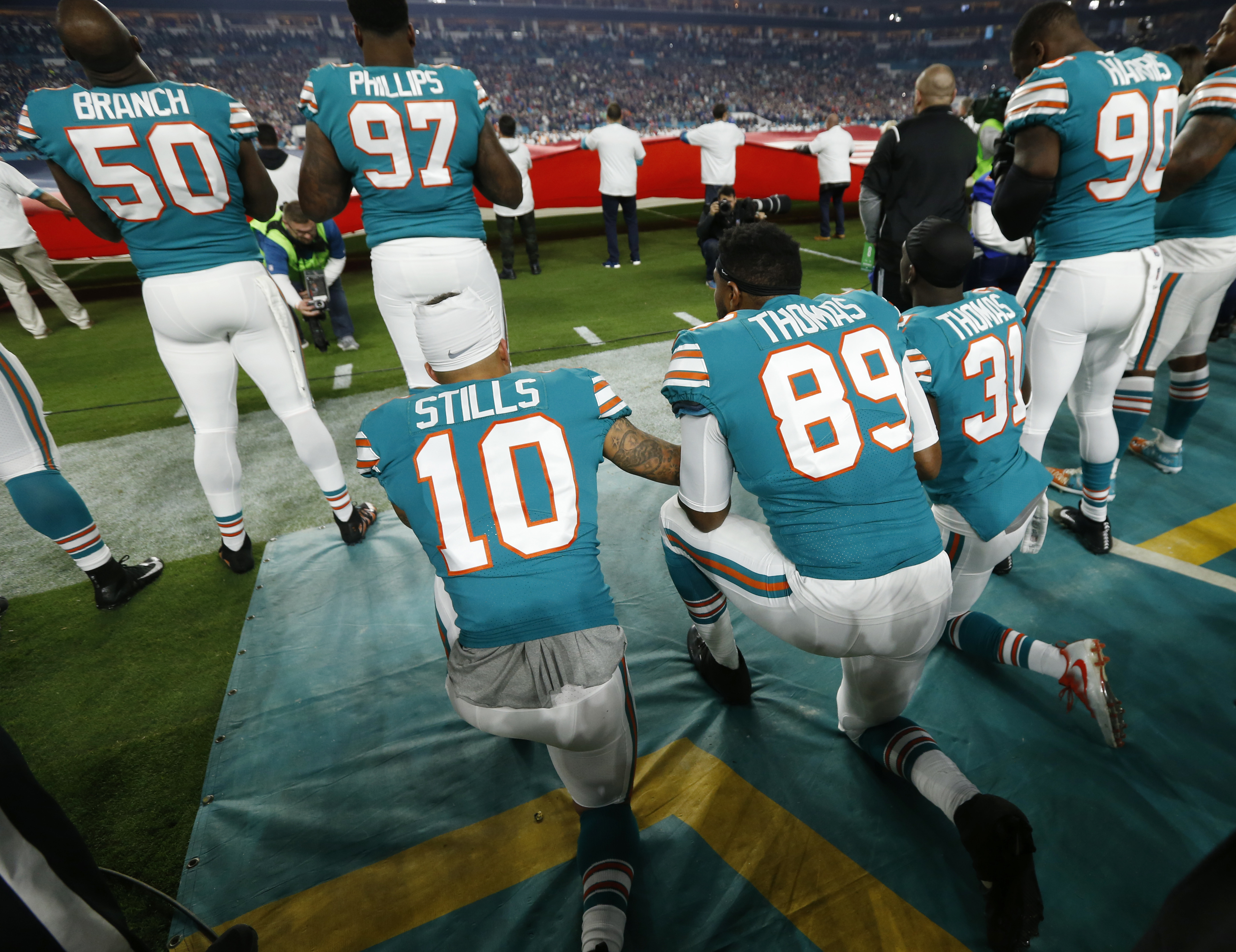 NFL and NFLPA freeze anthem policy amid controversy with Miami Dolphins