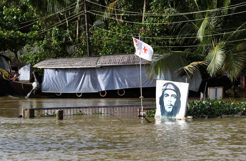 Indian Communists attacked while collecting funds for flood victims
