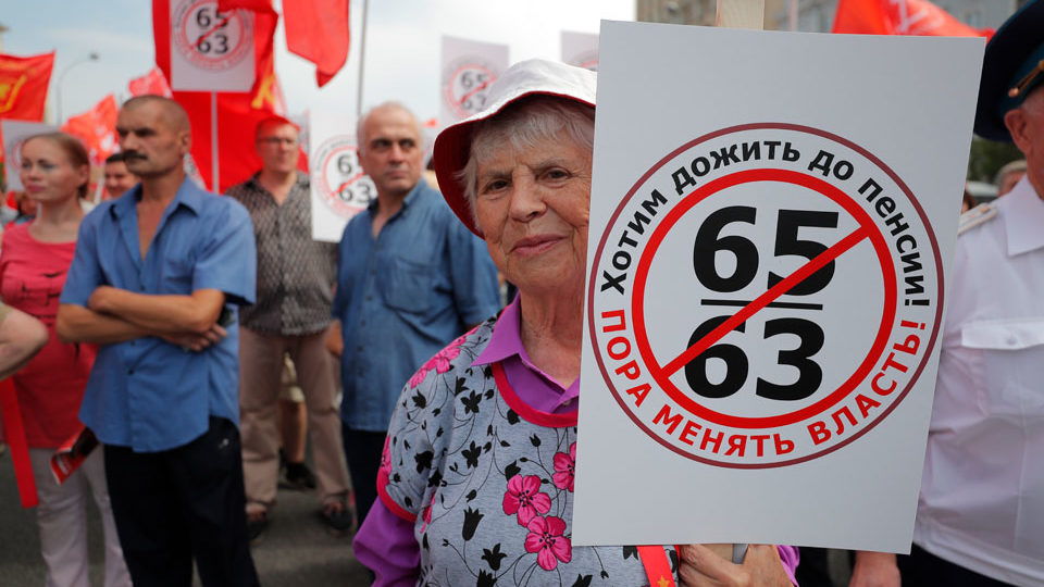 Russian Communists move to block Putin's plan to raise retirement age