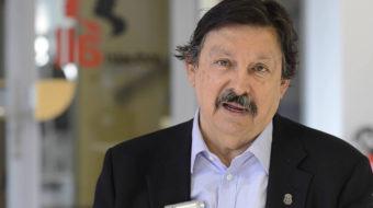 El líder del sindicato de mineros, Gómez Urrutia, vuelve a México como senador