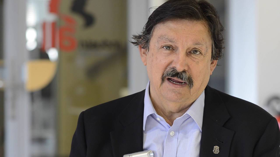 Miners' union leader Gómez Urrutia returns to Mexico as a senator