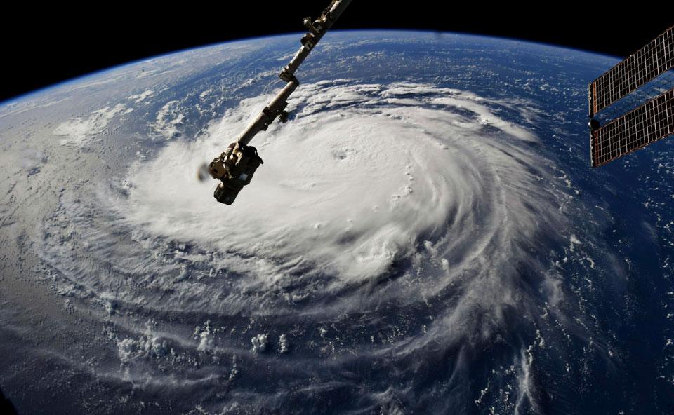 Killer storm approaches Carolinas, environmental disaster looms