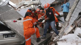 Indonesia tsunami death more than 800 and rising