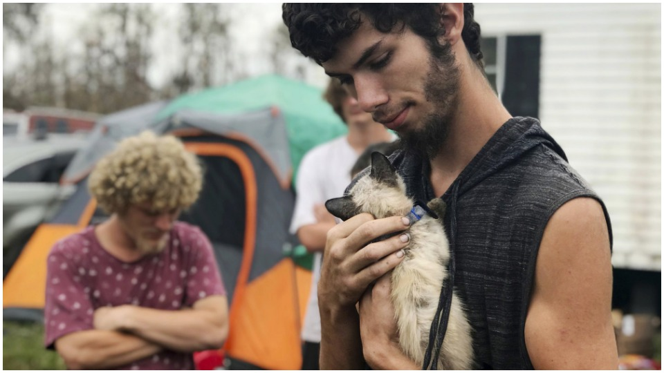 "Florida hurricane victims still waiting: ""Where's the help?"""