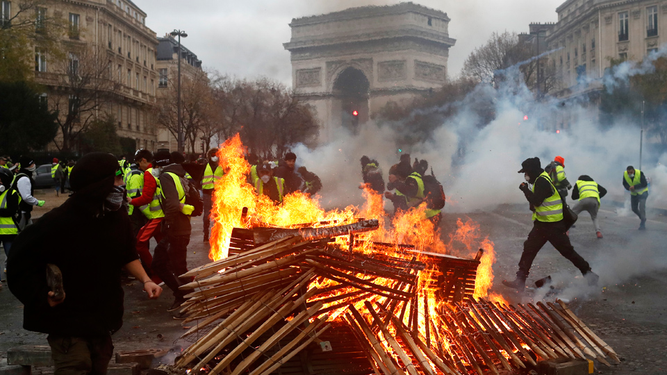 """Revolution"" sweeps France; people demand Macron resign"
