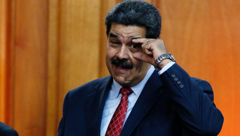 Maduro usa las tasas aeroportuarias para burlar las sanciones