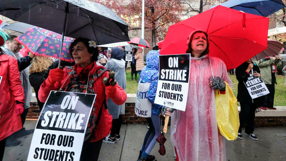 Teachers win victory for public education in L.A. strike settlement