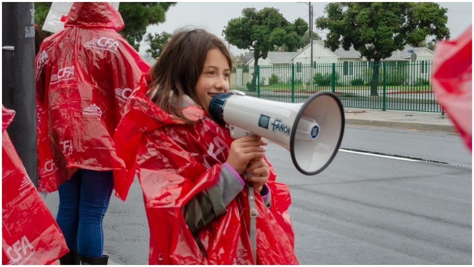 L.A. students back teachers; won't let billionaires kill public education