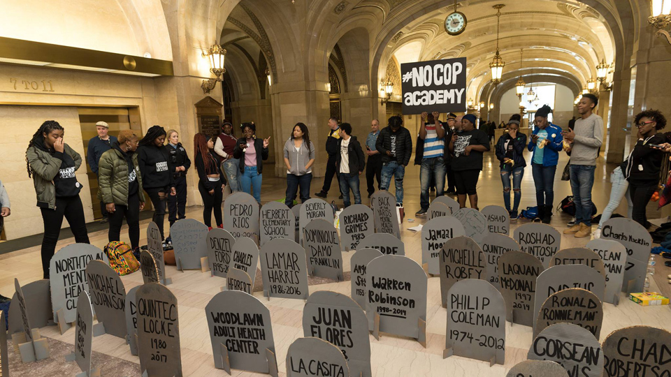 Chicago aldermen lock out the people and call the cops
