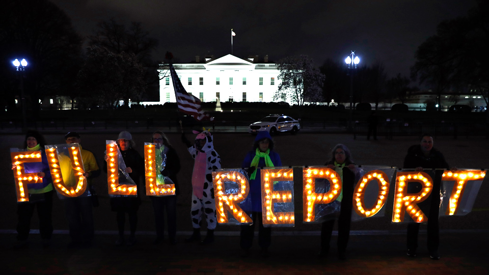 Tens of thousands demand release of Mueller report with backup evidence