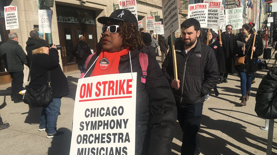 Chicago Symphony musicians perform free during their strike