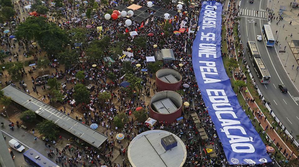 Brasil: Nuevas protestas contra Bolsonaro recortes en educación
