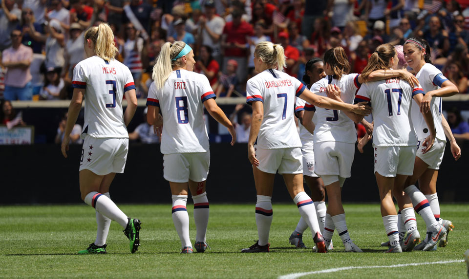 Women's World Cup: Championship U.S. team still earn less than men