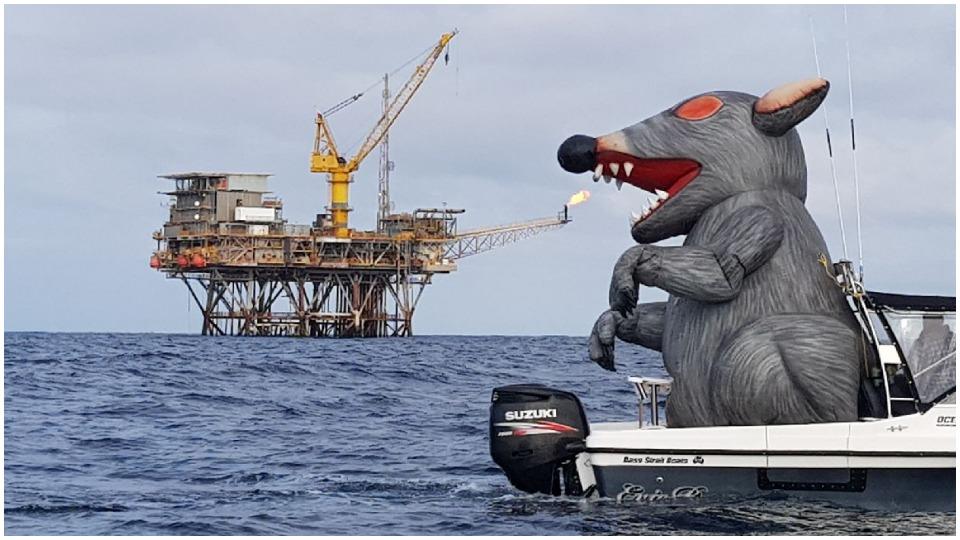 Australian workers win ExxonMobil strike after 742 days on