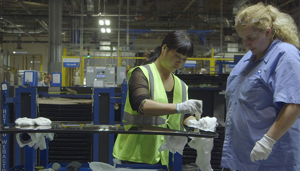 'American Factory' offers hope, dismay and a more automated future