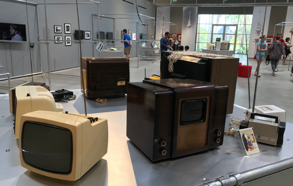 Television and Tito in new exhibitions at the Wende Museum