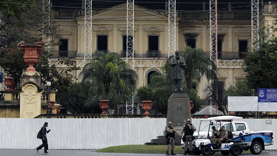 Reconstruyen lentamente el Museo Nacional de Brasil